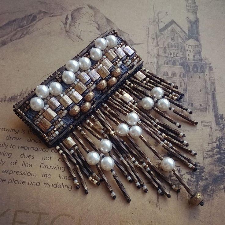 #брошь #сваровски #бахрома #бронза #жемчуг #мода #вышивка #винтаж #embroidery #brooch #fasionista #fashion #style #coutureembroidery #swarovski #perl #vintage #bronze #look #ilovemyjob #beadjewelry #jewellery #beard #art #design  #jewelrydesign #russia #russiandesigner