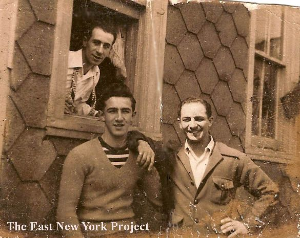 Very rare pic pic of Genovese mobsters Mike (window), Joseph aka Juju and Ciro Perrone, 1948. The first two were soldiers, the latter became a captain in the 90's.