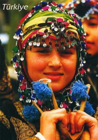Turkey traditional dress PC by jimmiehomeschoolmom, via Flickr トルコ 伝統的ドレス
