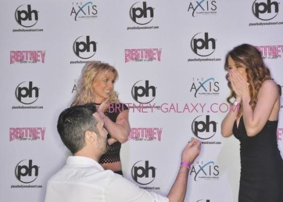 The Greatest Boyfriend Ever Proposed At A Britney Spears Meet And Greet