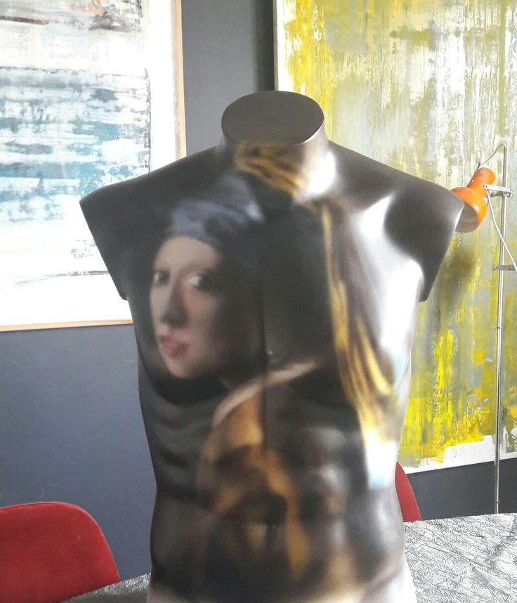 La Jeune Fille A La Perle - Vermeer. Peinture acrylique sur buste (Technique Aérographe).
