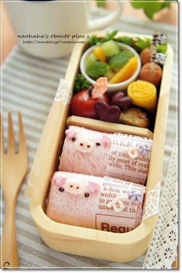 Pig roll sandwich bento  Visit japan-marche.com to find traditional and designed, quality Japanese items for your home and interior.