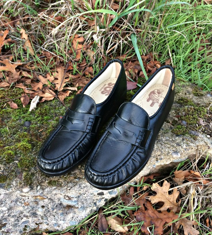 Black Leather Penny Loafers / Womens Black Genuine Leather Penny Loafers / SAS Hand Sewn Leather Loafers / Womens Dress Shoes Size 9 1/2