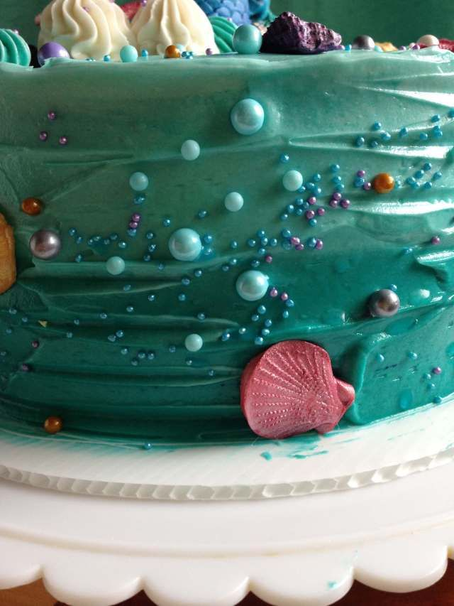 How To Make An Easy Mermaid Cake With Images Mermaid Cakes