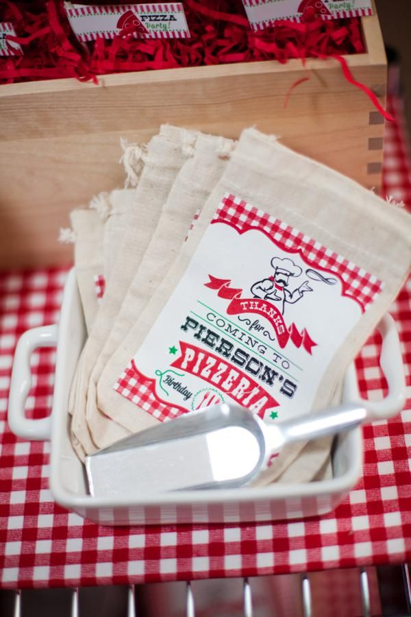 Pizzeria Little Chef themed pizza party-The Favor Bags
