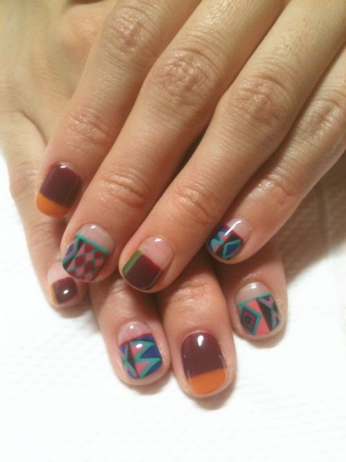 Isn't this geometric nail art awesome?