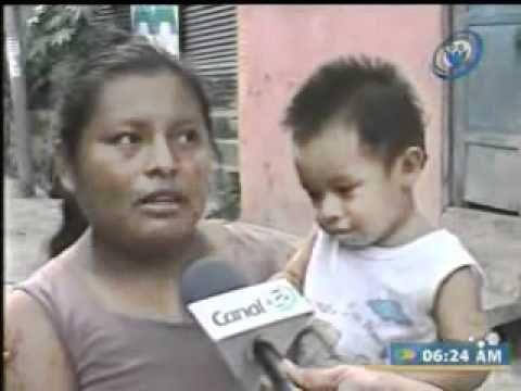 Los Salvadoreños prefieren tener internet,cable y Celular antes que comer