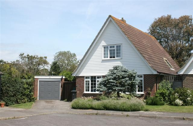 3 Bedroom Home in Chichester to rent from £600 pw. With TV and DVD.