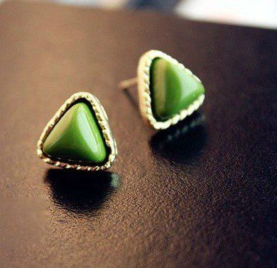 В треугольник в зеленый пномпень серьги 2 g. 36 pair/lot