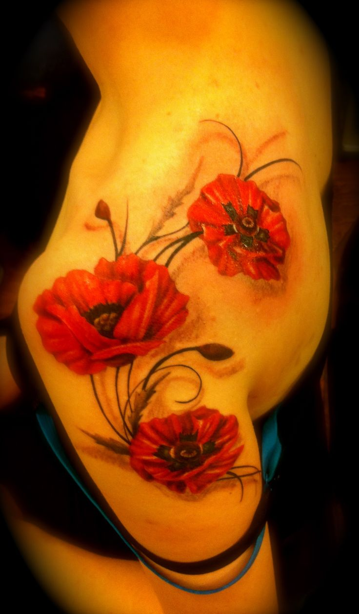 poppy tattoo by Maggie at Studio 123 123forever.com #tattoos #poppytattoo #flowertattoo