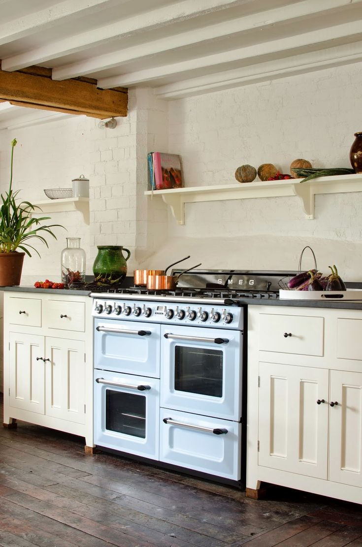 This is the new blue Smeg Victoria Cooker...Full details on Modern Country Style blog: Modern Country Loves: Smeg Victoria Range Cooker