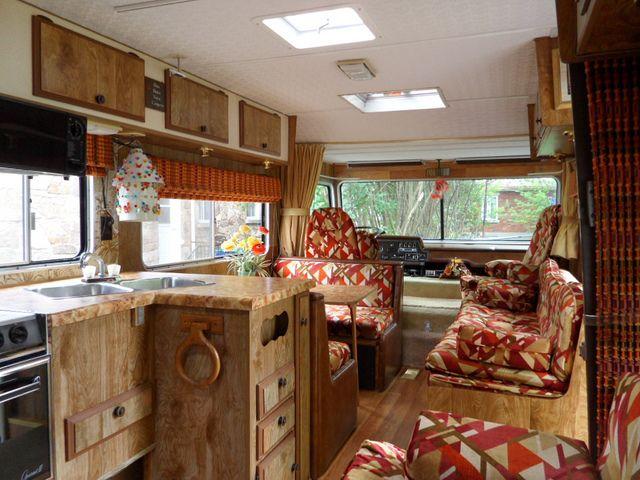 17 best images about vintage motorhome on pinterest - Interior caravana ...