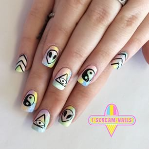 Best 25 hippie nail art ideas on pinterest hippie nails polka these nails featuring the alien emoji prinsesfo Gallery