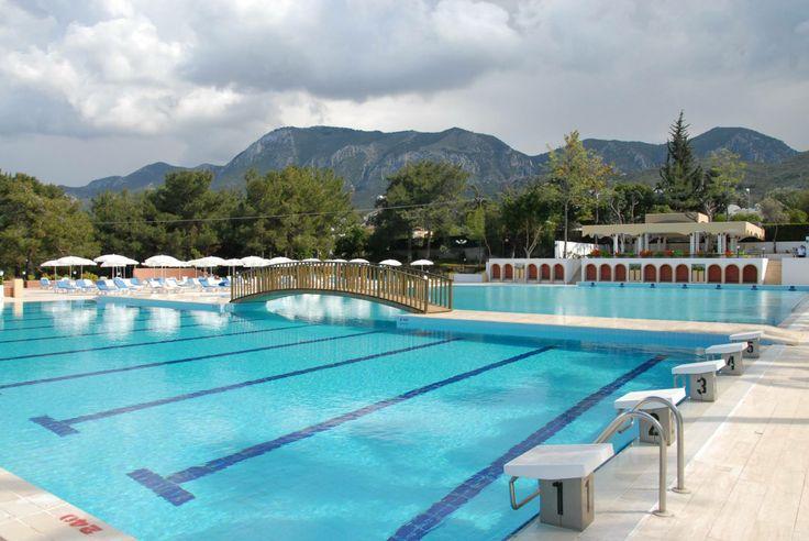 Yaz Sıcağı Bunaltmaya Başladı. Serinlemek İçin Kıbrıs'ın En İyi Havuzunu Gün Boyu Sadece 15 TL'ye Tercih Edebilirsiniz. Üstelik 1 Meşrubat Ücretsiz  İrtibat: +90 392 444 64 64 http://www.buyukanadolugirne.com/