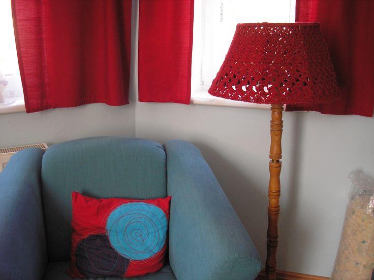 Háčkovaná lampa