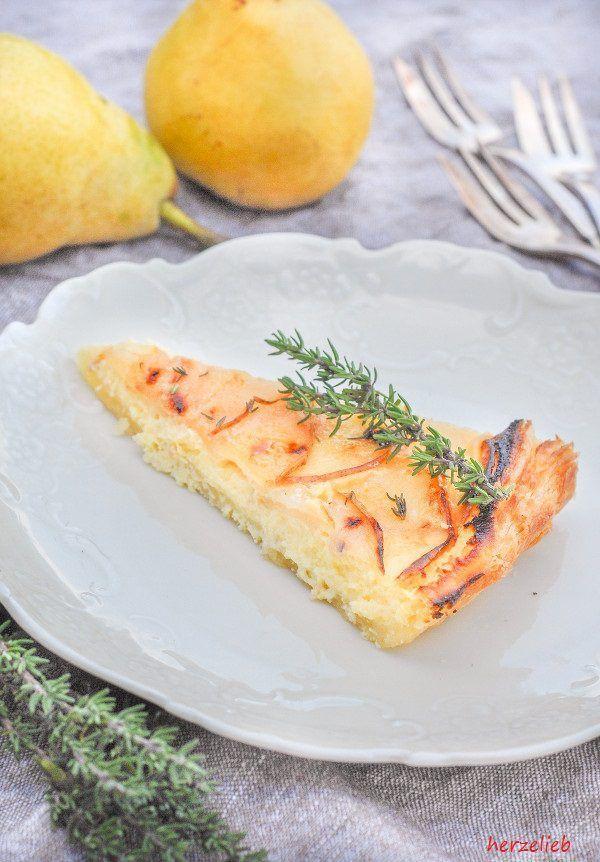 Birne und Thymian ist schon eine tolle Kombination. Kombiniert mit Skyr schmeckt… Eine lecker Tarte - Birnentarte zum Verlieben - Rezept von herzelieb  #birne #tarte #kuchen #foodblogger #foodblog #deutsch #rezept