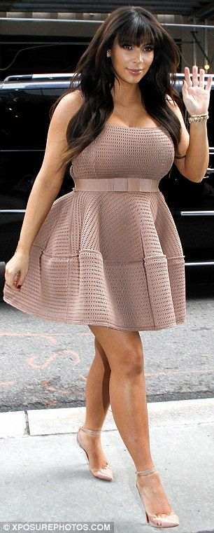 Loved this dress on her when she was early in her pregnancy