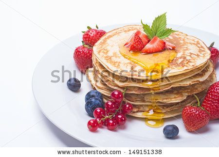 Pancakes and berriew