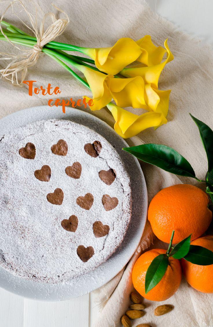 No lleva nada de harina, en su lugar se ocupa almendras molidas, de este modo la torta queda crujiente por fuera y húmeda por dentro, muy agradable al paladar.