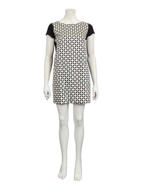 Zwart met witte jurk - Korte jurken - BoBo Tremelo