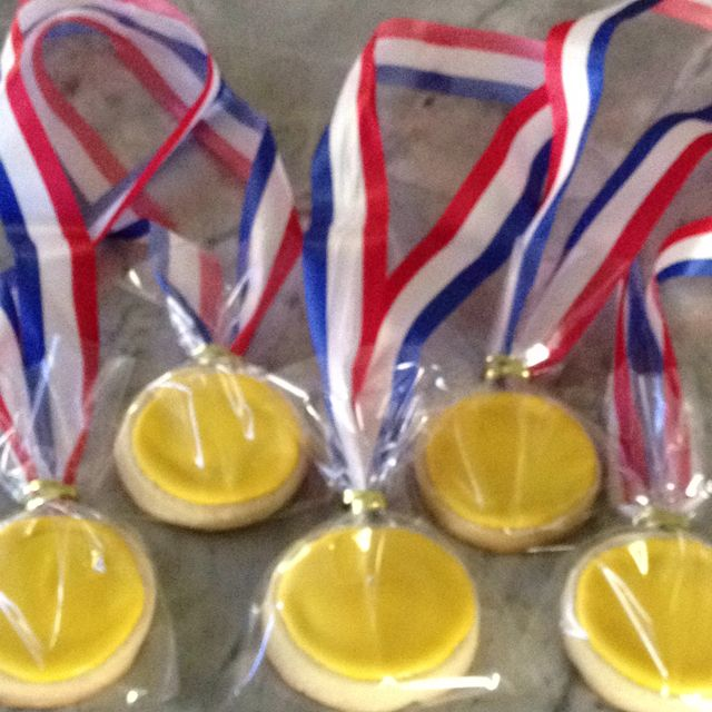 Gold Medal Cookies for a gymnastics party  www.bakesaledc.com