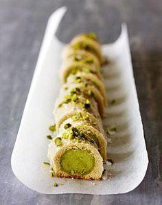Pistazien-Plätzchen  Vielleicht kann ich die mit Lupinenmehl  (statt Ei) veganisieren?