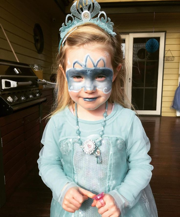 If you know a child who loves frozen, why not have a frozen themed party with Elsa or Anna visiting on their special day? Magical Moment Parties offers games, activities and face painting! ��❄️ #birthdayparty #likeforlike #kids #melbournentertainment #mum #magic #frozen #party #birthday #children #victoria #australia #bubbles #games #facepaint #music #disney #fairy #princess #snow #like #insta #pic #follow #elsa #anna http://misstagram.com/ipost/1568030122605426257/?code=BXCwxa3AjZR