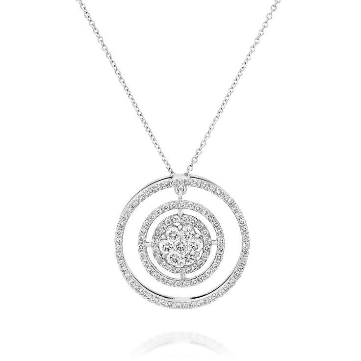 Collection :  Désir de Rêve Nom du produit: Mystère d'Oedipe Inspiration de notre artiste: De ce coeur central de diamants de 7 diamants, trois ondes concentriques ont éclos… À l'instar de l'énigme d'Oedipe. Elles symbolisent les trois stades de la vie d'une femme ou d'un homme :  l'enfance, l'adolescence et l'âge adulte.  #pendentif #pendant #love #mariage #amour #gift #diamant #diamond #or #gold #sertiinvisible