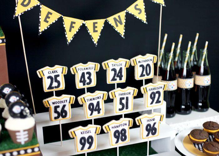 #football partyFood Display, Jersey Cookies, Cookies Crafts, Steelers Parties, Football Parties, Favors Ideas, Parties Ideas, Football Jersey, Cookies Pop