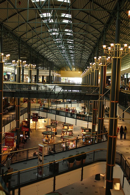 The Mall of America (commonly, locally known as