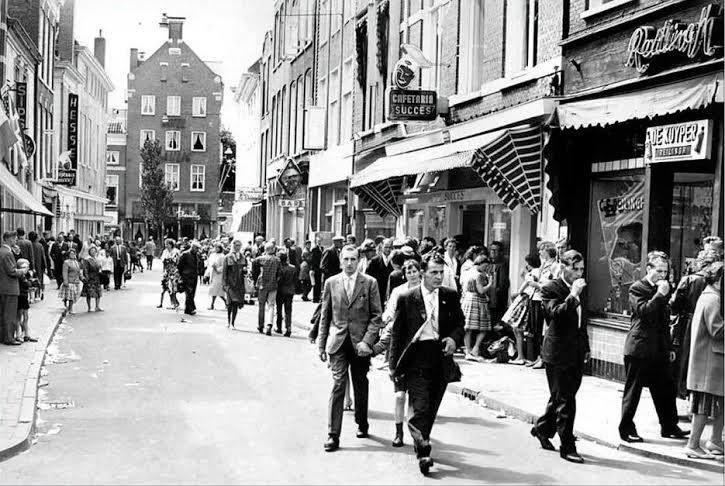Cafetaria succes 1963