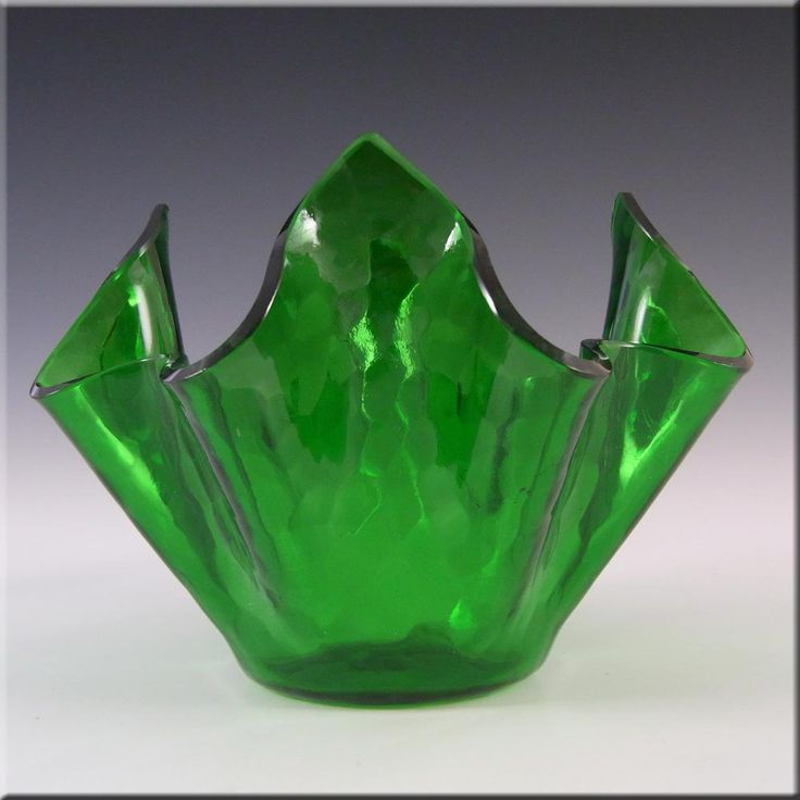 Chance Brothers Green Glass 'Small Flemish' Handkerchief Vase - £13.49