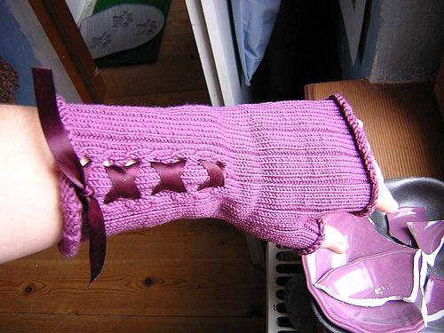 romancing the knithacked raisin gloves.Raisin Gloves, Knithack Raisin, Favourite Knithack