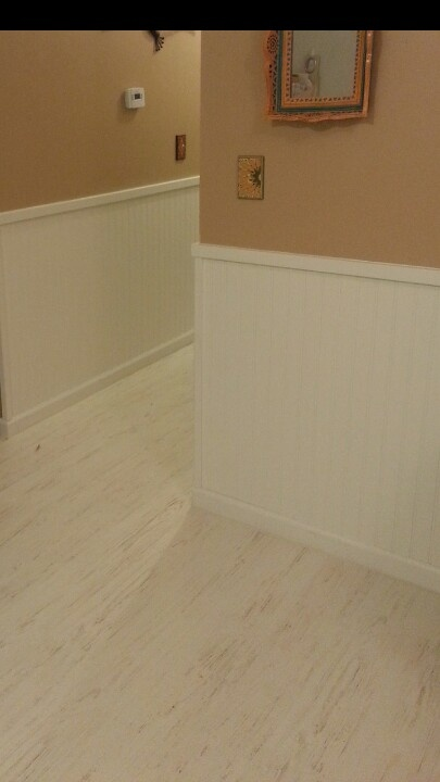 White distressed slat laminate floor by quick step for Green laminate flooring