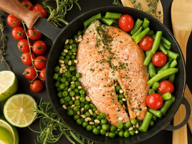 Dinner is a very important meal, and you shouldn't skip it, even if you are on a diet. A perfect dinner that is good for your health is both light and nourishing.