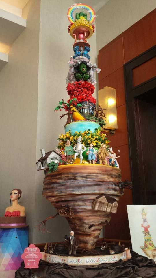 Wizard of Oz Cake - LADIES AND GENTLEMEN... I HAVE FOUND THE GREATEST CAKE EVER MADE! It deserves it's own board.
