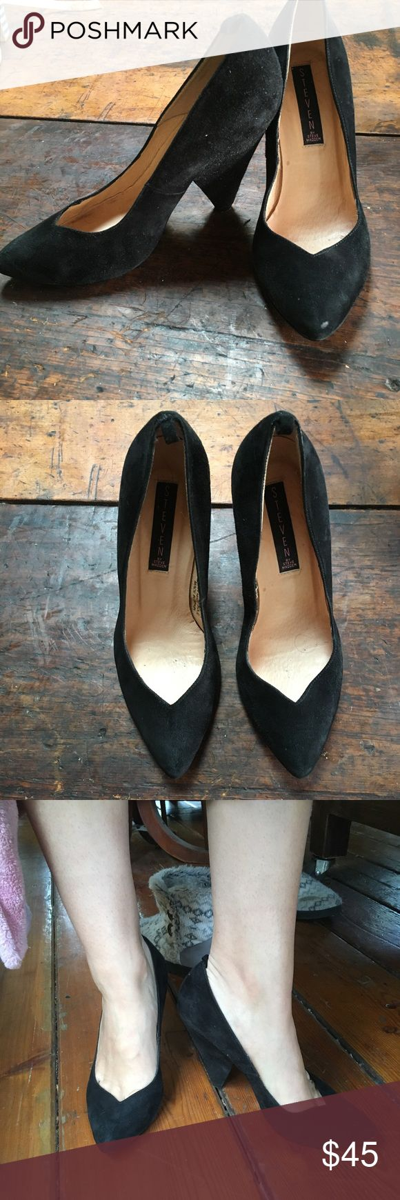 Steve Madden pointed toe black heels leather These are SO classic and elegant. They Are the perfect pair of black heels. Lightly worn. Real leather uppers. Steve Madden Shoes Heels
