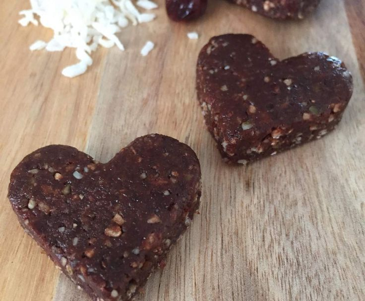 Recipe Heart Shaped Bliss Balls - Nut Free by Cooking 4 6 - Recipe of category Desserts & sweets