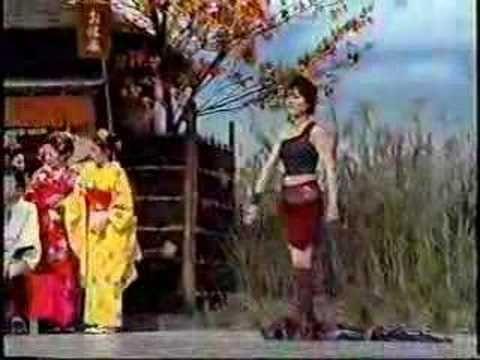 enka singer Otowa Shinbobu sings Wataridori...