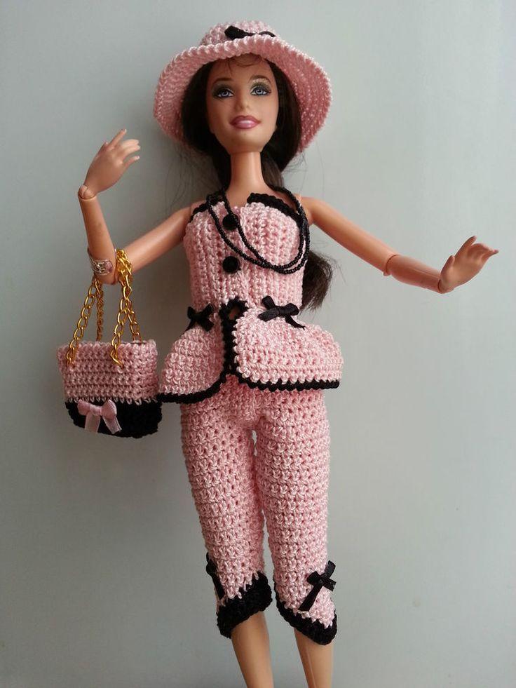 vêtement poupée mannequin Barbie (214)                              …
