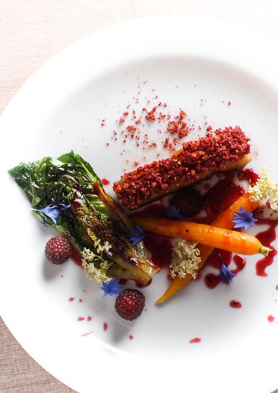 Stegt flæsk, hindbær og branket salat-5