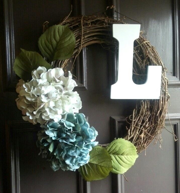 DIY wreath  ...love the hydrangeas
