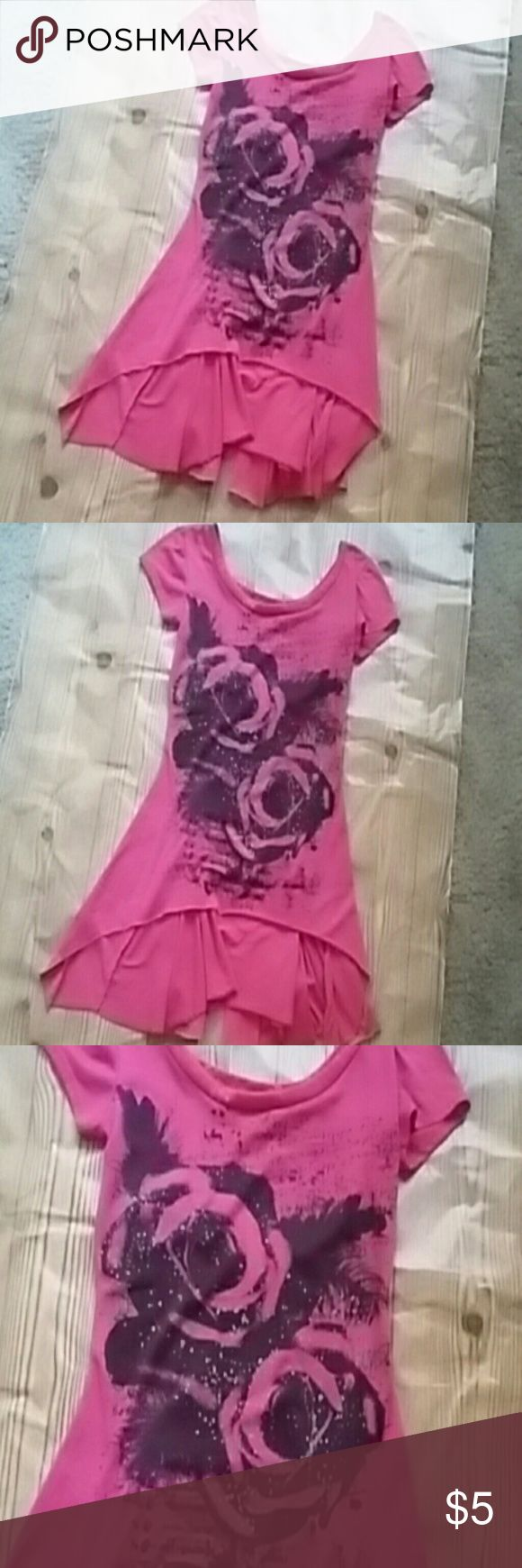 Hot pink short sleeve top with ruffled bottom 36 to 40 bust, pink short sleeve top with flower desogn in black and silver (glitter) Tops Tees - Short Sleeve