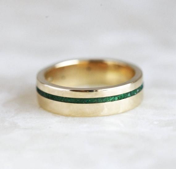 Unisex Wedding Band With Emerald Inlay 14k Or 18k Solid Gold Etsy In 2020 Emerald Wedding Band Diamond Wedding Bands Gold Diamond Wedding Band