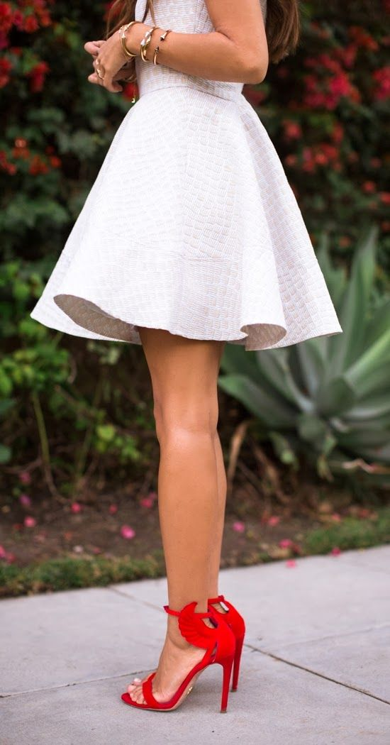 Lovely mini flowy dress with red heel