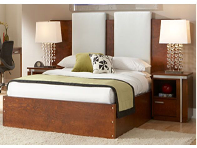 Hotel Room Bedding