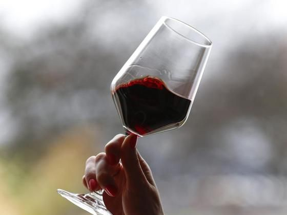 #Ist ein Glas Rotwein am Tag gesund? - Schwäbische Zeitung: Schwäbische Zeitung Ist ein Glas Rotwein am Tag gesund? Schwäbische Zeitung Ein…