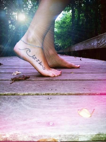 Schrift Tattoo Fuß
