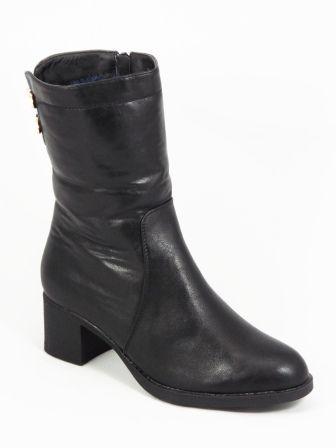 Ghete dama negre toc 5,5 cm Marry  Acest model de ghete dama negre este fabricatdinpiele eco de calitate superioara. Lainterior au o blanitacare asigura un buncomfort al piciorului. Accesorizarea cu cele doua panglicide culoare aurie decorate custrasuri, a
