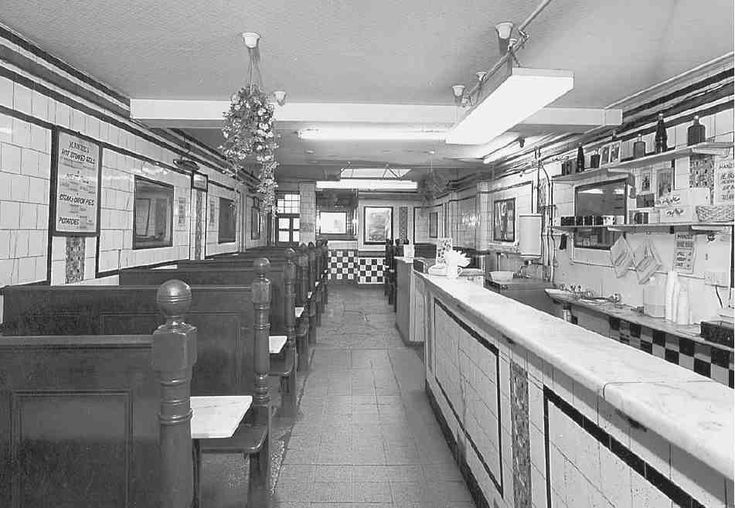 fig 515. Manze's eel and pie shop, No. 74 Chapel Market, interior in 1994 RCHME photograph (BB96/129) in NMR